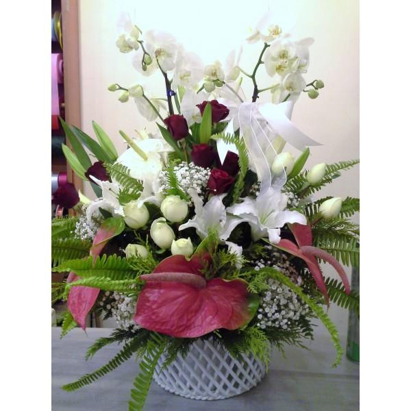 Sepet Seramik İçinde Orkideli Aranjman