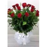 Cam Vazo İçinde Gonca Kırmızı Güller